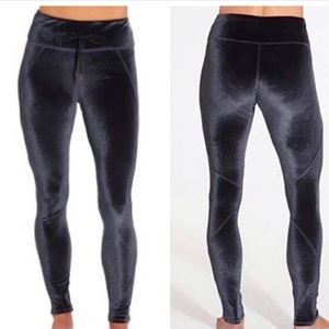 CALIA Carrie Underwood Effortless Velvet Leggings